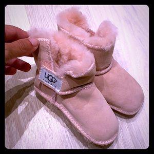Girls Toddler Ugg size medium- Age 1- pink